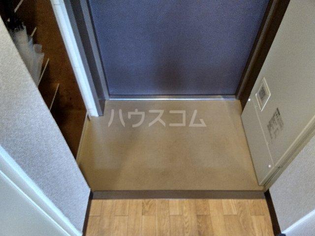 グレース岩塚 305号室の玄関