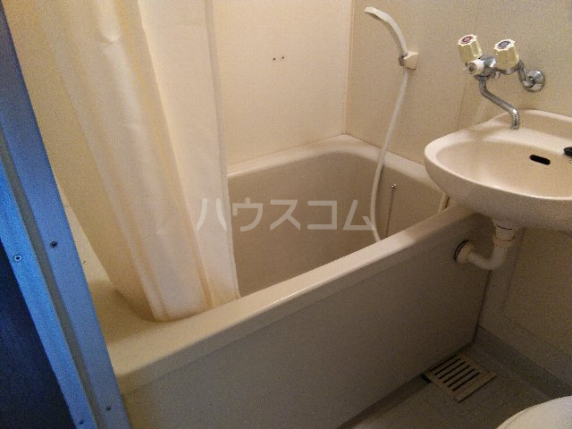 グレース岩塚 305号室の風呂