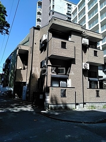 ピュア箱崎八番館 103号室の外観