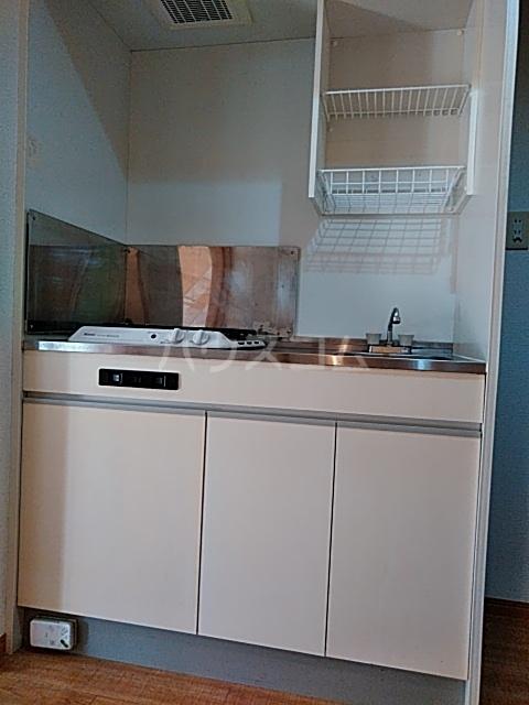 ピュア箱崎八番館 103号室のキッチン