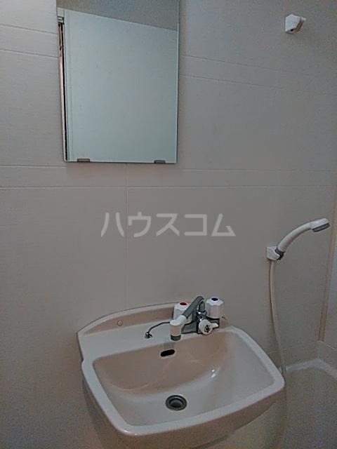 ピュア箱崎八番館 103号室の洗面所