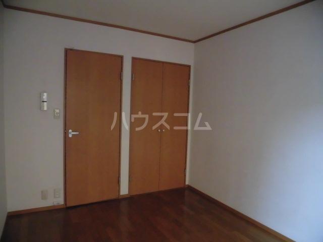 ブリリアント田村 202号室のリビング