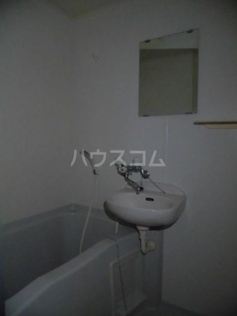 ブリリアント田村 202号室の風呂