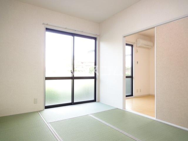 パストラルA 102号室の居室
