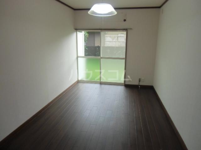 ヴェラハ菊川 105号室のリビング
