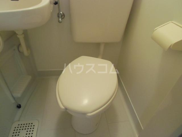 ヴェラハ菊川 105号室のトイレ