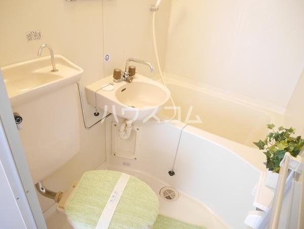 ステイタス館多々良Ⅰ 201号室の風呂