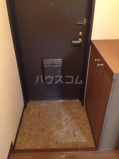 グレース八田 402号室の玄関