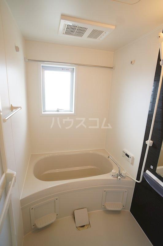 レジデンス四ツ枝 303号室の風呂