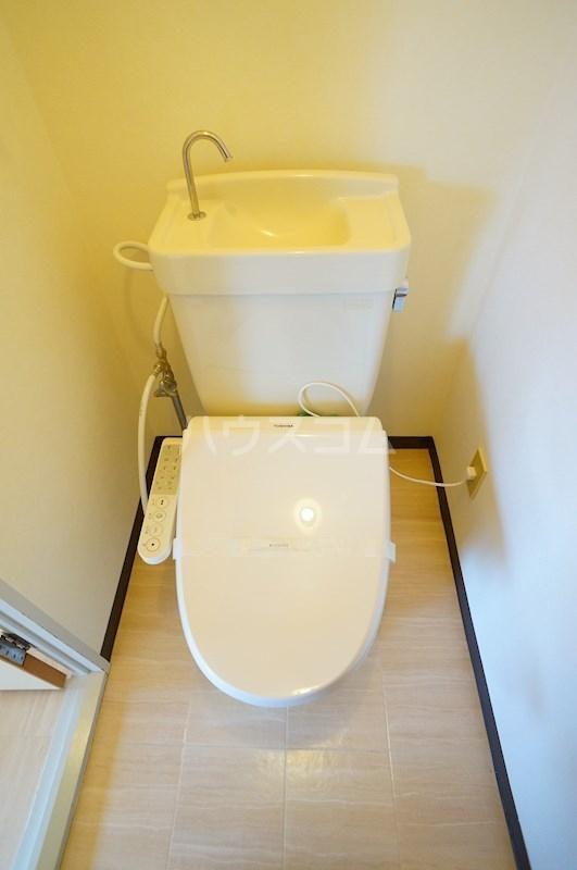 レジデンス四ツ枝 303号室のトイレ