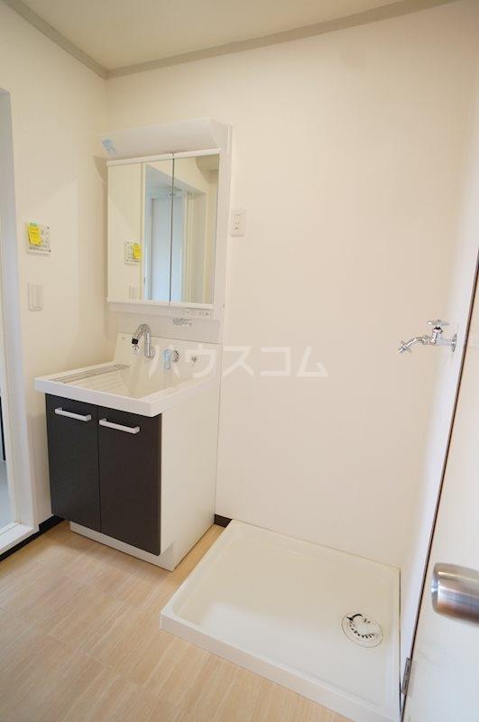 レジデンス四ツ枝 303号室の洗面所