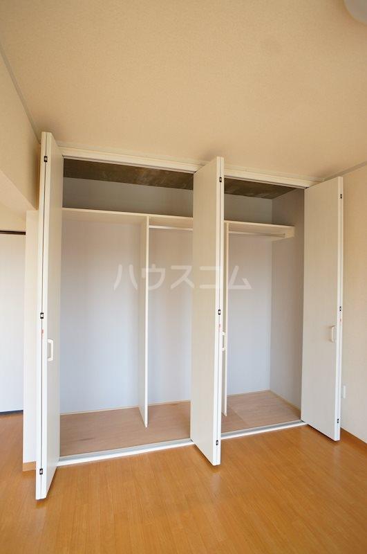 レジデンス四ツ枝 303号室の収納