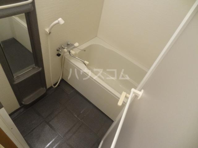 ラ・クレール 101号室の風呂