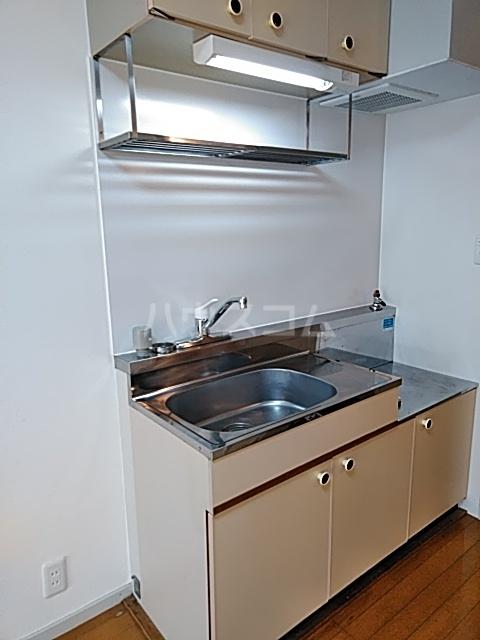 レジデンス貝塚 101号室のキッチン
