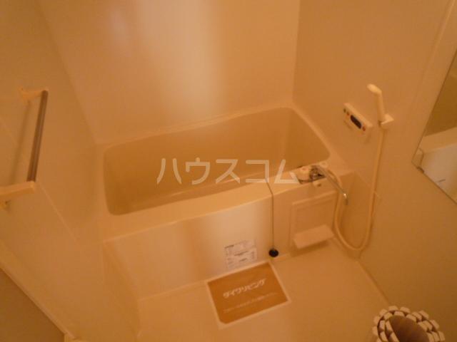 フェリーチェB 205号室の風呂