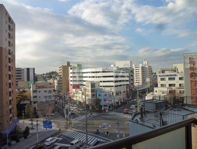 リブゼ横浜南 706号室の景色