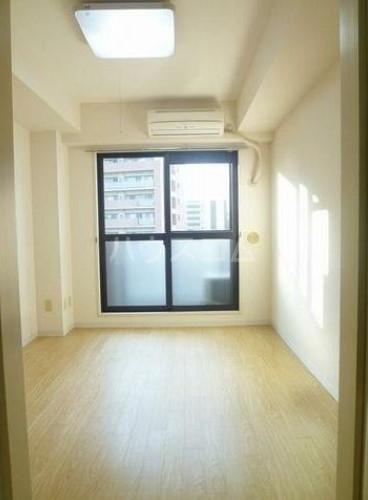 リブゼ横浜南 706号室の居室