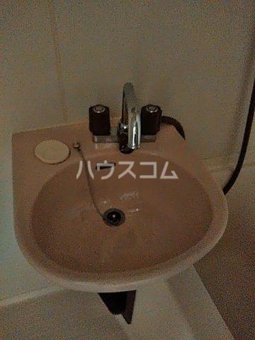 RX神宮前 305号室の洗面所