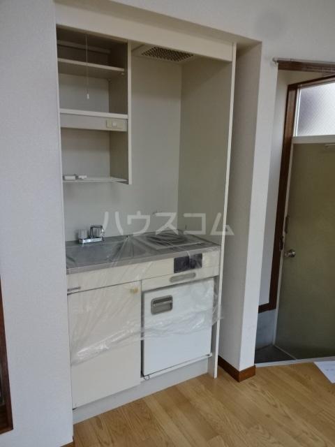 サンハイム中川 101号室のキッチン