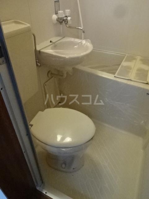サンハイム中川 101号室のトイレ