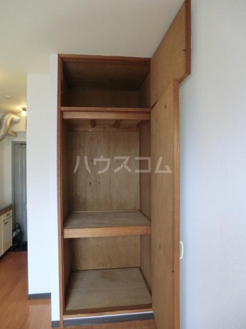 マンション愛晃 307号室の収納