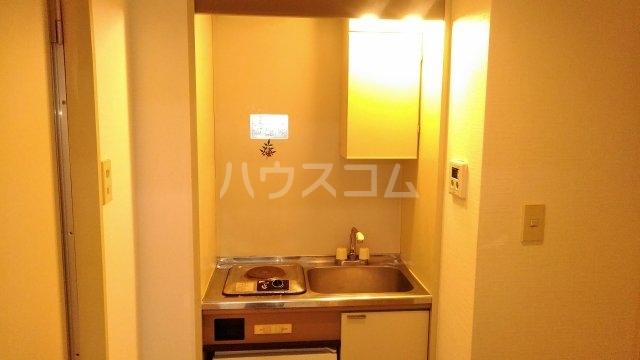 ソワレ・ド・ミノベ鶴見中央ビル 305号室のキッチン