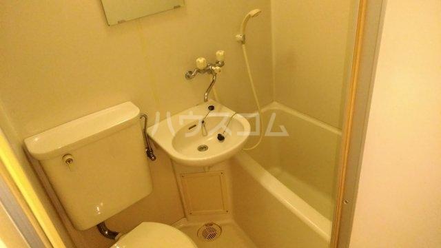 ソワレ・ド・ミノベ鶴見中央ビル 305号室の風呂