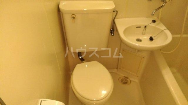 ソワレ・ド・ミノベ鶴見中央ビル 305号室のトイレ