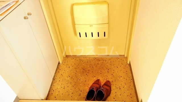 ソワレ・ド・ミノベ鶴見中央ビル 901号室の玄関