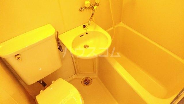 ソワレ・ド・ミノベ鶴見中央ビル 901号室の風呂