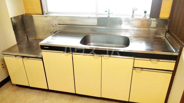 斉藤マンション 302号室のキッチン