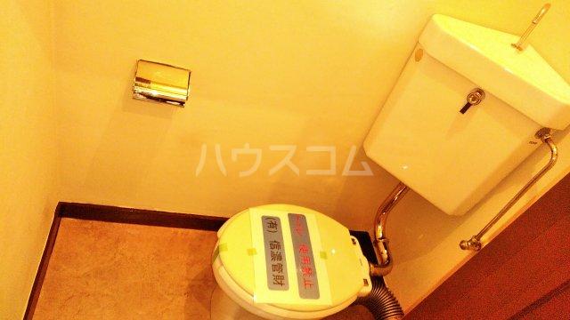斉藤マンション 302号室のトイレ
