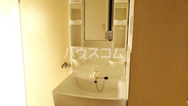 ミザールフタバ 301号室の洗面所