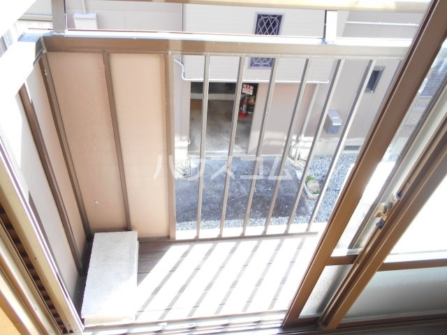 アルファメゾンB 102号室のバルコニー