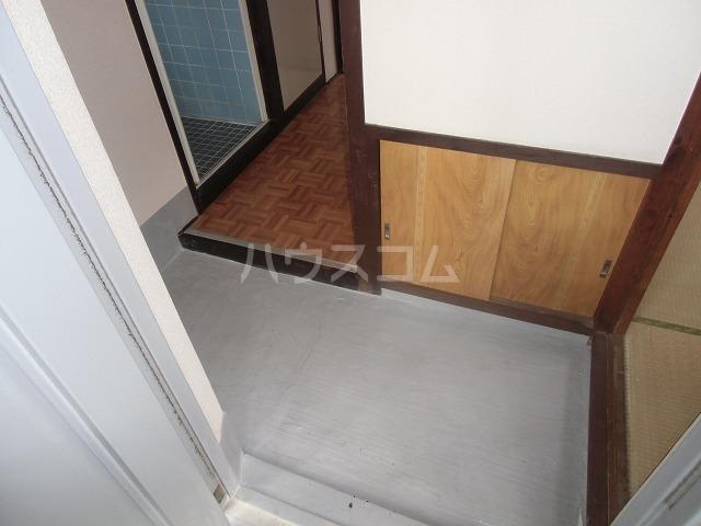 サンハイツ 502号室の玄関