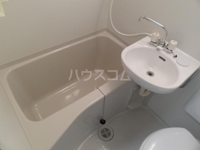 ライズ亀有 202号室の風呂