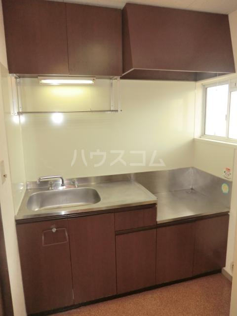 メゾンエスポワール 201号室のキッチン