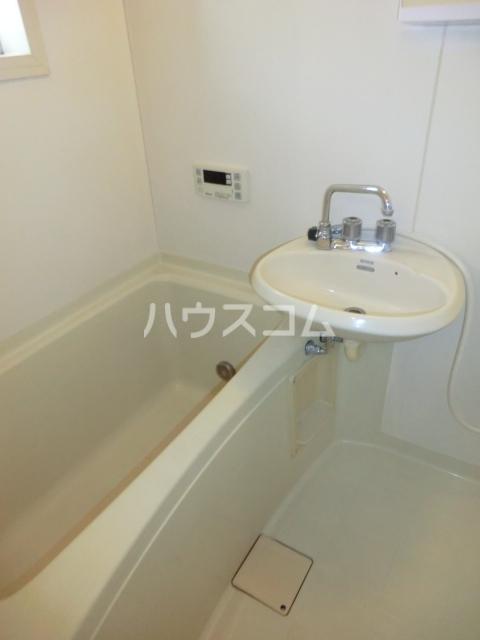 メゾンエスポワール 201号室の風呂