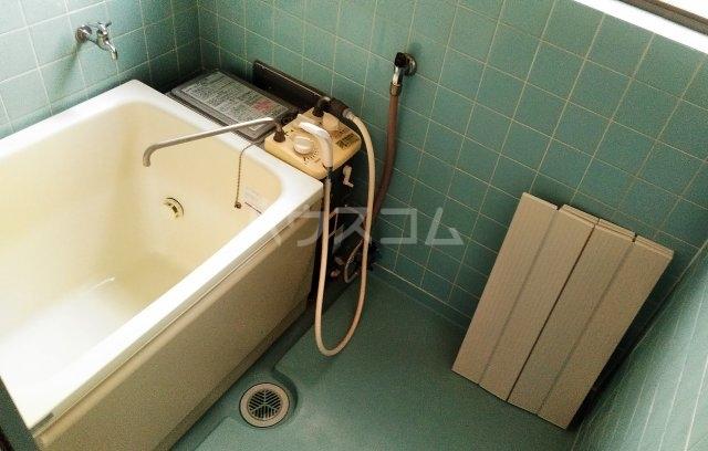持丸荘 201号室の風呂