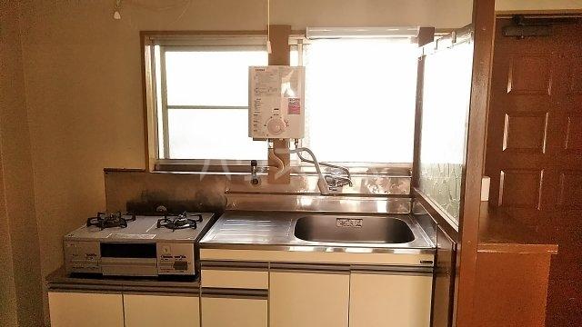 吉澤マンション 201号室のキッチン