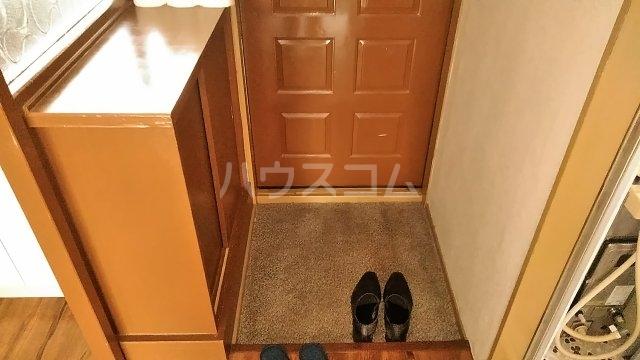 吉澤マンション 201号室の玄関