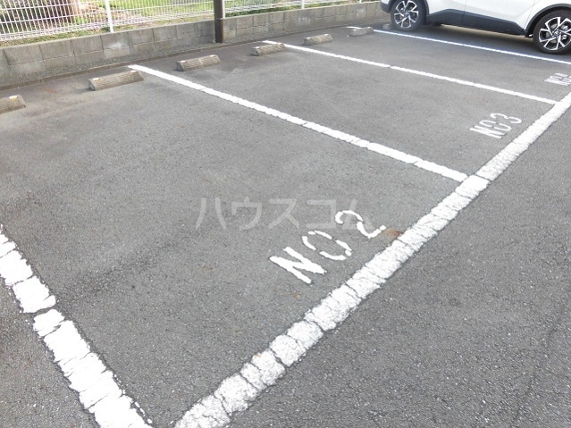 グランヒル7 302号室の駐車場