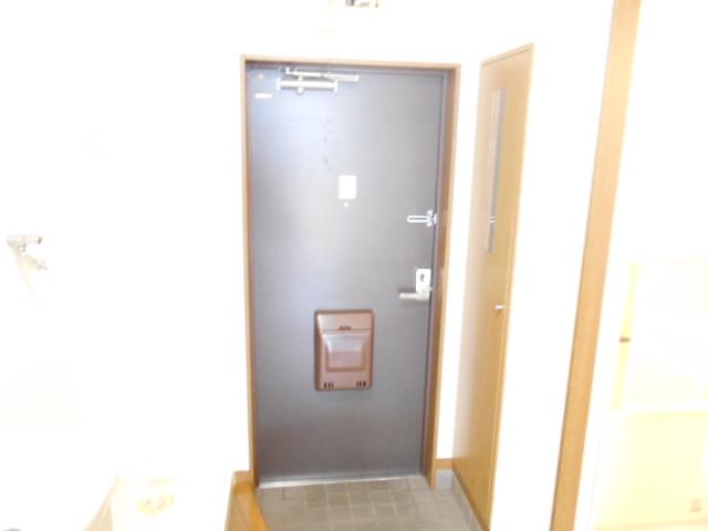 マーサ21 101号室の玄関