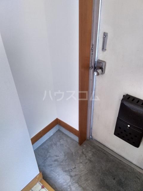 大森マンション 203号室の玄関