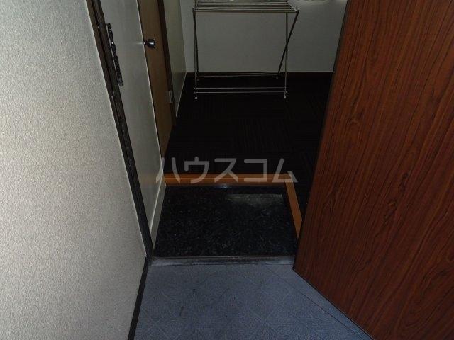 古賀ビル 403号室の玄関