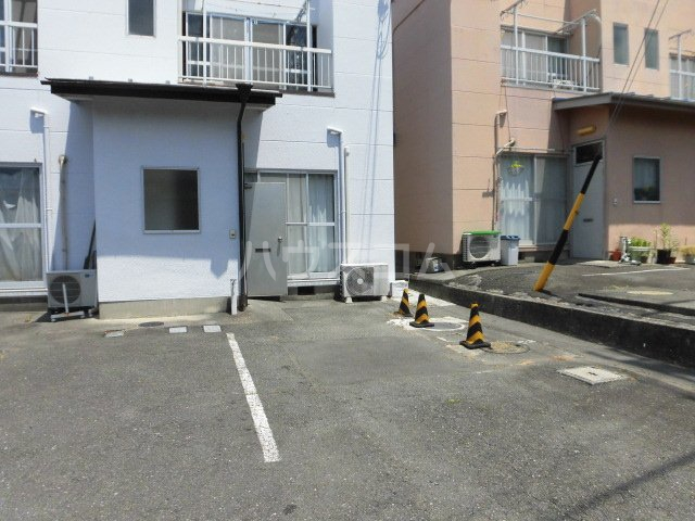 藤コーポAの駐車場