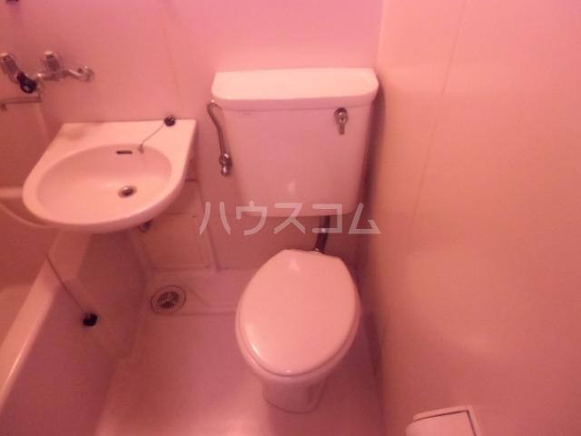 クリスタルハイツ 205号室のトイレ