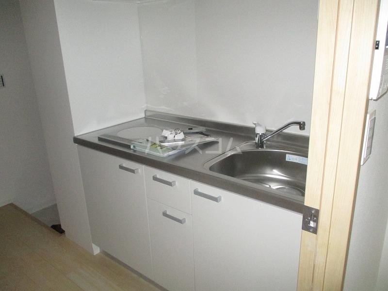 桜ヒルズ 102号室のキッチン