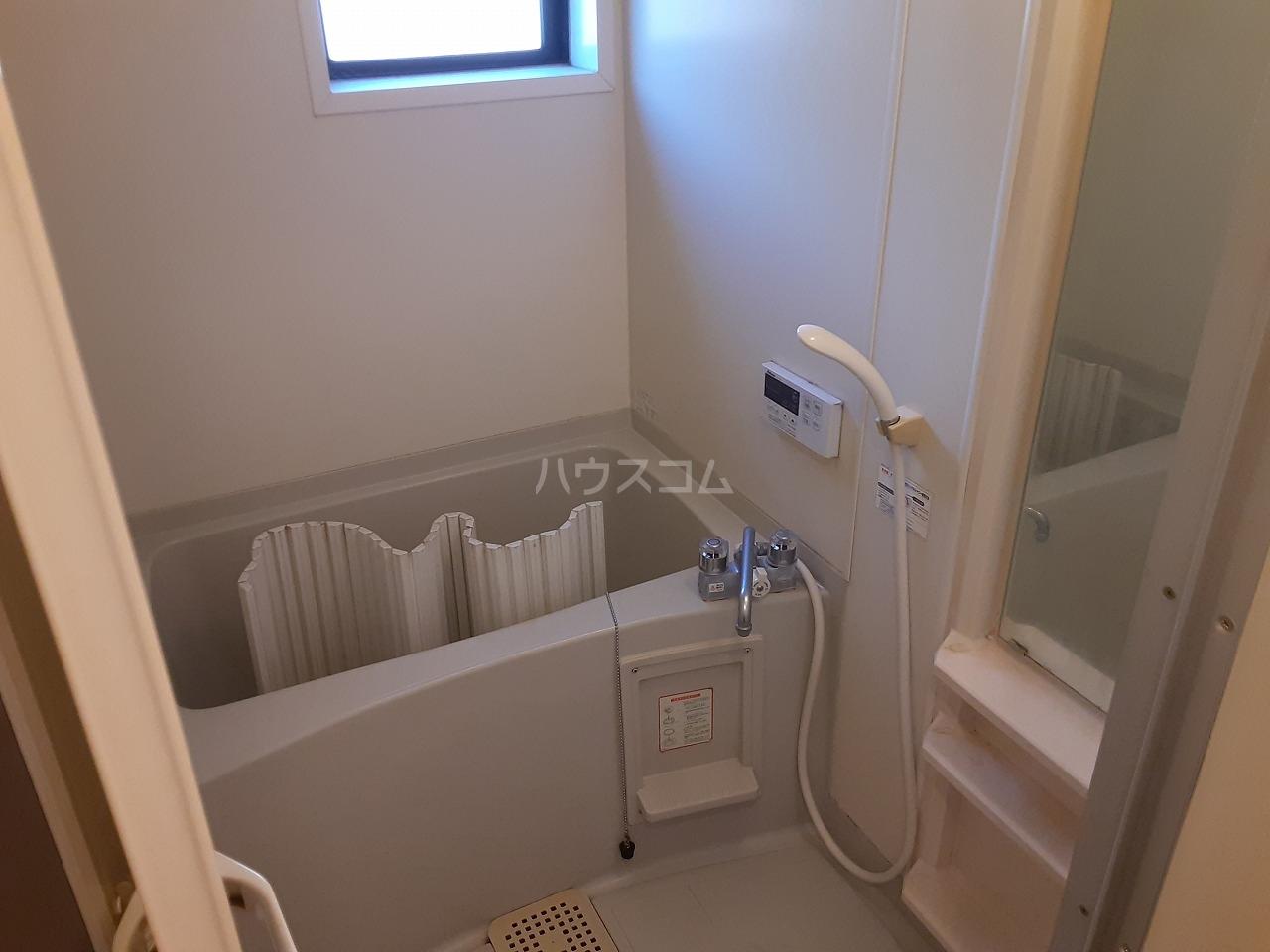 コンフォールB 102号室の風呂
