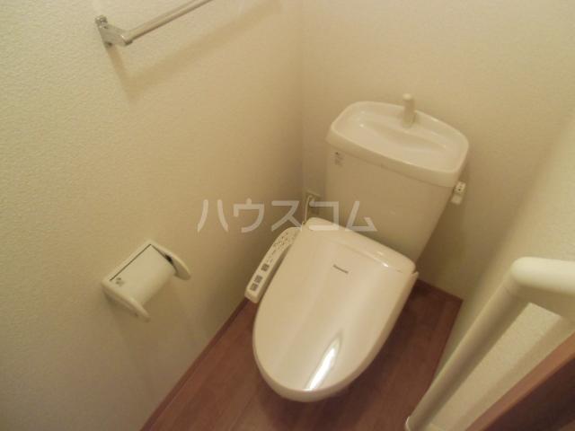 メゾン・ド・リンデン A 106号室のトイレ